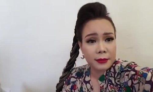 Việt Hương bức xúc vì Huỳnh Anh đi trễ