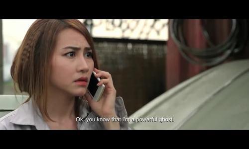 Ngân Khánh đóng hài cùng Hoài Linh trong phim 'Ma dai' (2015)