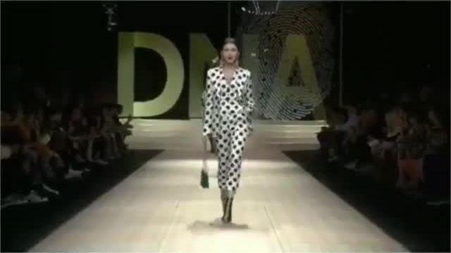 Davika Hoorne catwalk