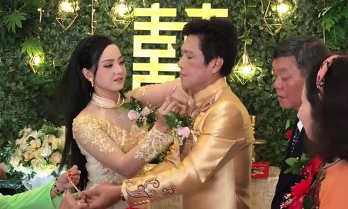 Nghe si cai luong Trong Nghia cuoi vo o tuoi 52