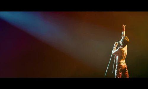 Rami Malek len thảm dỏ cùng nhóm nhạc Queen