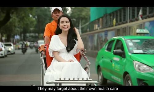 Co gai Dong Thap dang quang Hoa hau Du lich The gioi