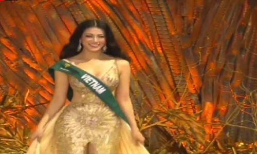 Á hậu Phương Khánh trình diễn váy dạ hội tại Miss Earth 2018