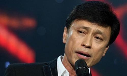 Tuấn Ngọc hát 'Chiều một mình qua phố'