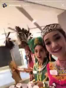 Hoa hạu Tiẻu Vy múa dieu Co Doi Thuong ngan tại Miss World