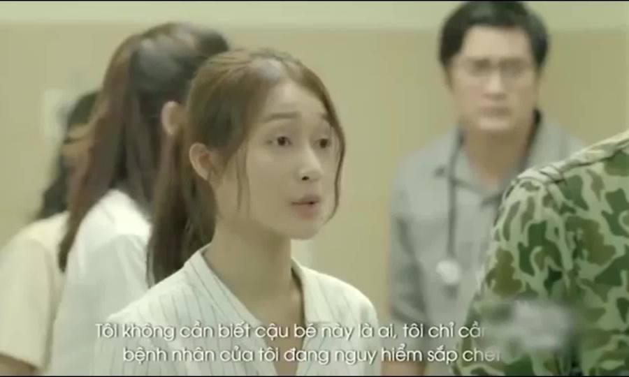 Khả Ngân nói tiếng Anh trong Hậu duệ mặt trời bản Việt
