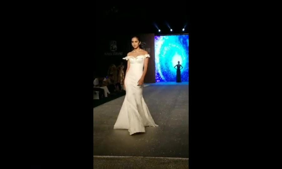 Phần thi 'Top Model' của Tiểu Vy