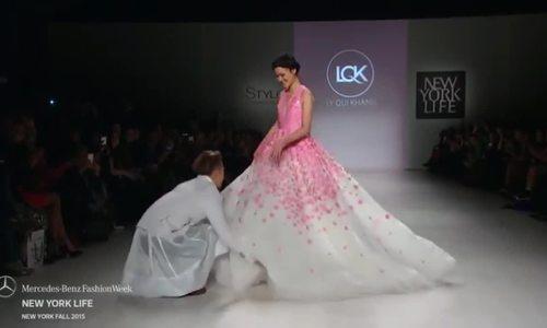 Tuyết Lan catwalk ở show Lý Quí Khánh tại Mỹ