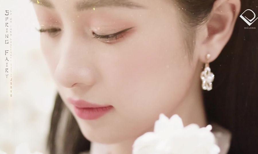 Jun Vũ gợi cảm trong váy áo Đỗ Long