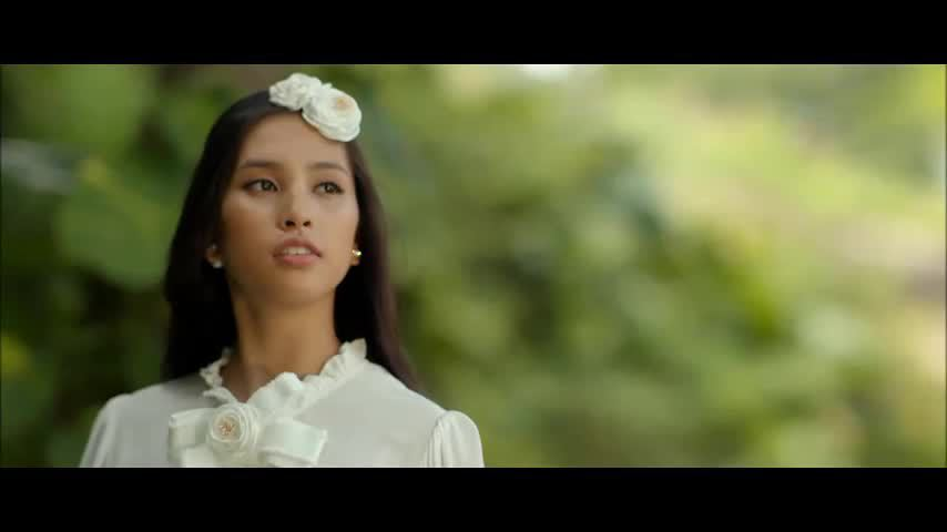 Hậu trường chụp hình của hoa hậu Tiểu Vy