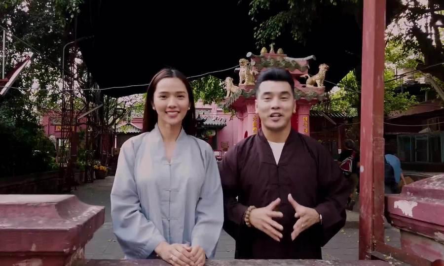 Vợ chồng Ưng Hoàng Phúc chúc Tết Kỷ hợi