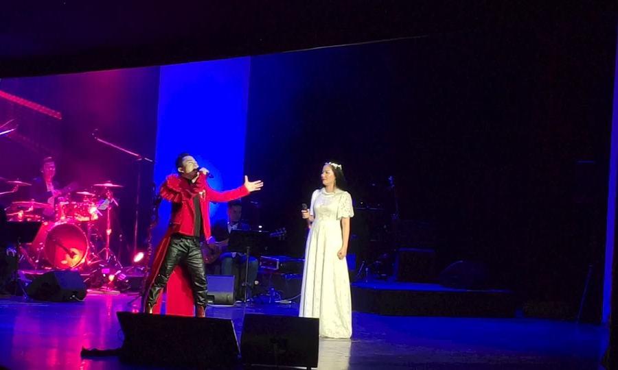 Tùng Dương, Phạm Thùy Dung hát 'The Phantom of the Opera'