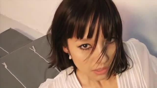 'Nữ hoàng sexy' Lee Hyori tái xuất với phong cách ma mị trên tạp chí