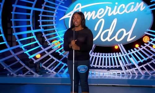 Thí sinh khiếm thị khiến giám khảo American Idol khóc - ảnh 1