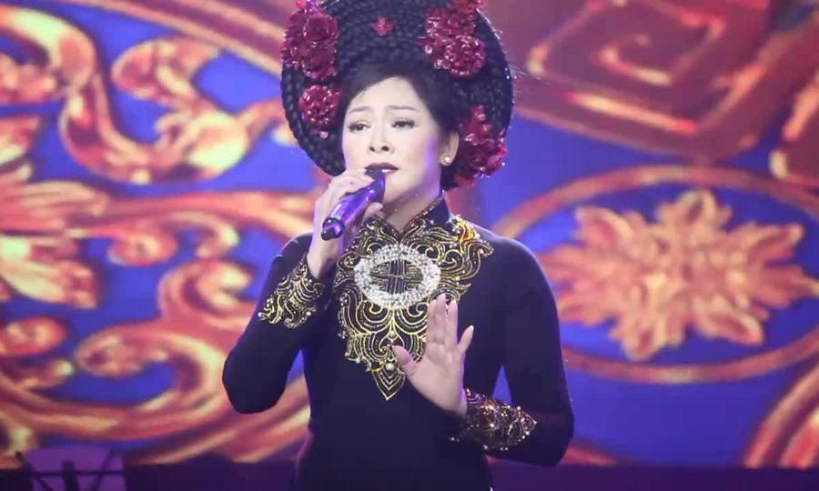"""Như Quỳnh hát """"Duyên phận"""" trong liveshow ở TP HCM"""