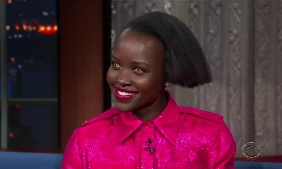 Lupita Nyong'o đeo kính áp tròng kinh dị