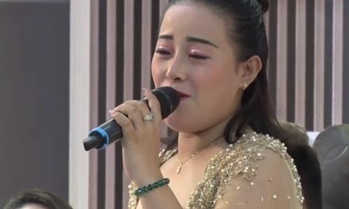 Đoàn Bảo Ngọc khoe giọng hát bội ở sự kiện