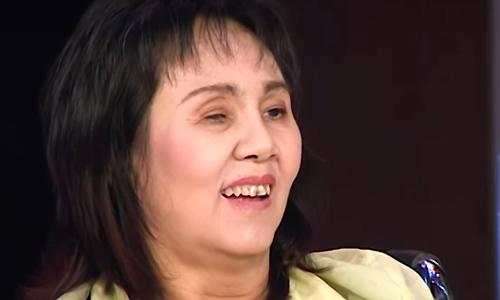 Nghệ sĩ Hoàng Lan ngồi xe lăn tái xuất sau thời gian bạo bệnh