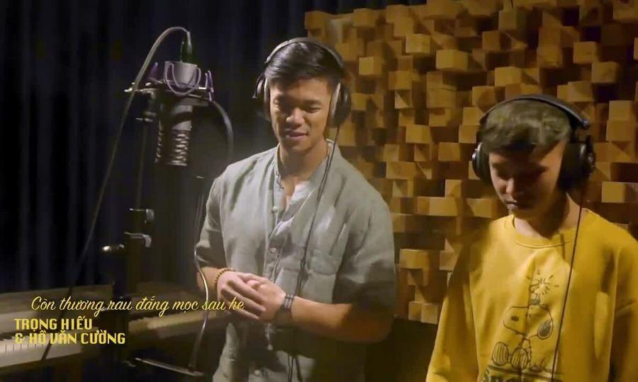 Hồ Văn Cường hát 'Còn thương rau đắng mọc sau hè' (sáng tác: Bắc Sơn) cùng Trọng Hiếu
