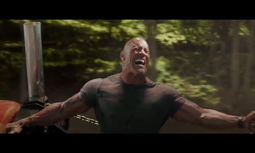 The Rock kéo trực thăng trong ngoại truyện Fast & Furious - ảnh 1