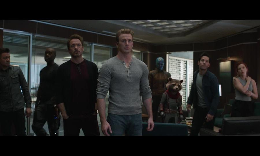 Dàn người hùng hạ quyết tâm chống Thanos trong Avengers: Endgame