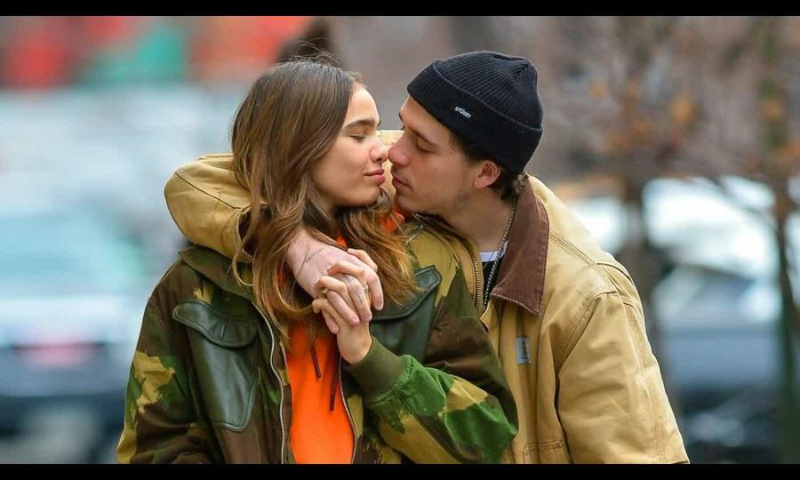 Khoảnh khắc ngọt ngào của Brooklyn Beckham và Hana Cross