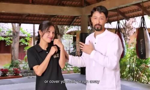 Johnny Trí Nguyễn hướng dẫn bạn gái ứng phó khi bị sàm sỡ - ảnh 1
