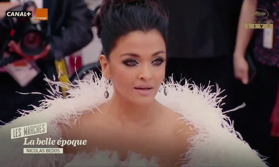 Hoa hậu Aishwarya Rai váy trắng Cannes 2019