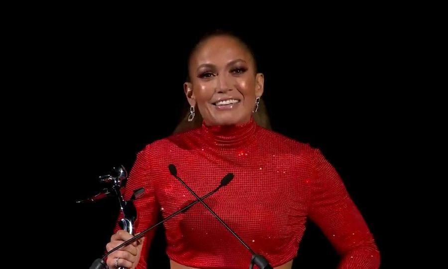 Jennifer Lopez nhận giải Biểu tượng thời trang 2019