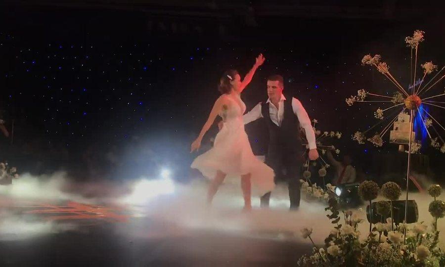 Phương Mai và chồng khiêu vũ