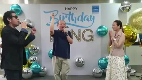 Nualphan Lamsam trong tiệc sinh nhật
