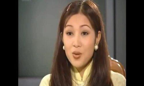 Thu Hương trong cảnh Mỹ Dung phỏng vấn làm thư ký viện trưởng