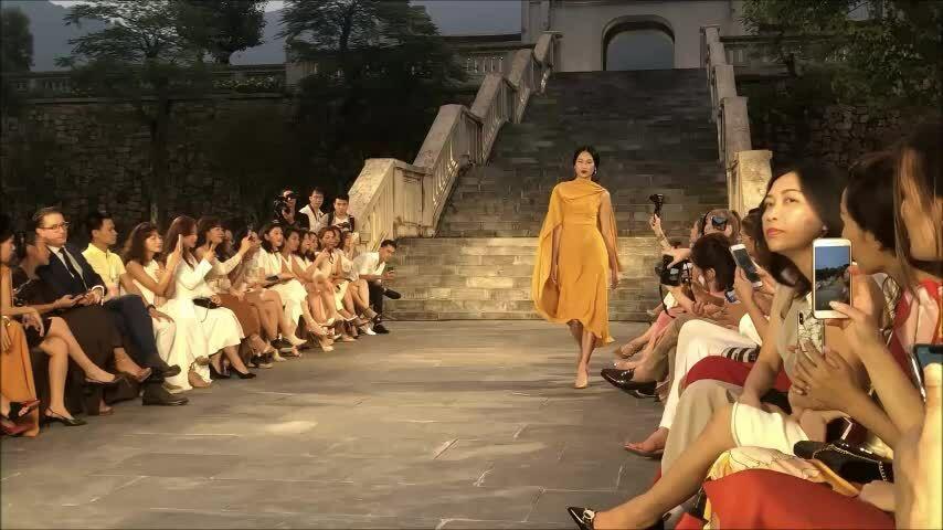 Video Show thời trang ở Quảng Ninh