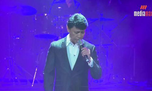 Tuấn Ngọc hát