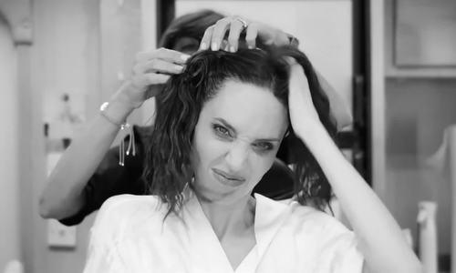 Quá trình Angelina Jolie hóa 'tiên hắc ám'