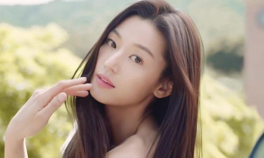 Đoạn quảng cáo hút triệu view của Jeon Ji Hyun