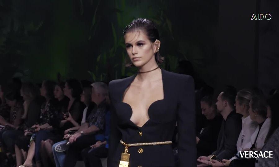 Kaia Gerber trong Tuần lễ thời trang xuân hè 2020
