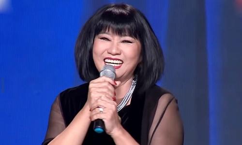 Cẩm Vân tái xuất với 'Bài ca không quên'