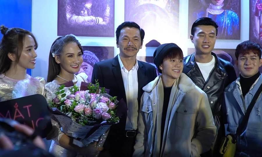 Dàn sao Về nhà đi con ra mắt phim của Bảo Thanh