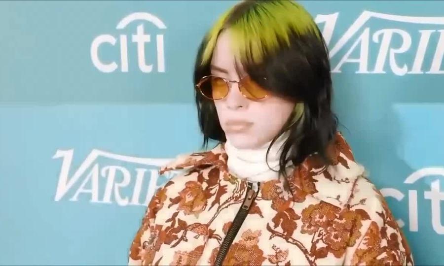 Billie Eilish mặc đồ quá khổ