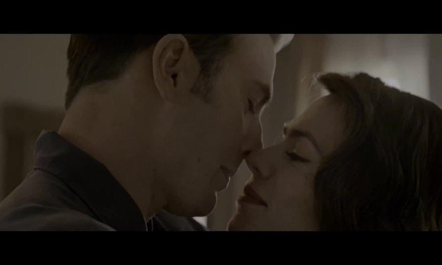 Captain America và Peggy hôn nhau cuối Avengers: Endgame