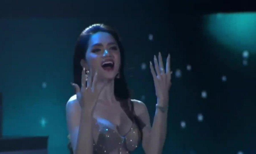 Tiết mục biểu diễn của dàn cựu Hoa hậu Chuyển giới Quốc tế