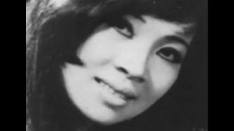 Ca khúc 'Ướt mi' - Thanh Thúy