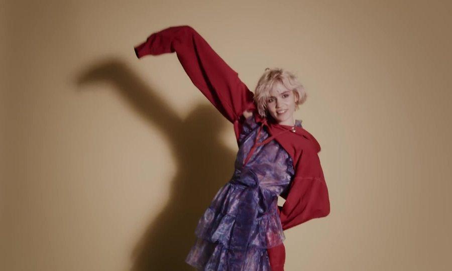 Grimes chụp hình thời trang