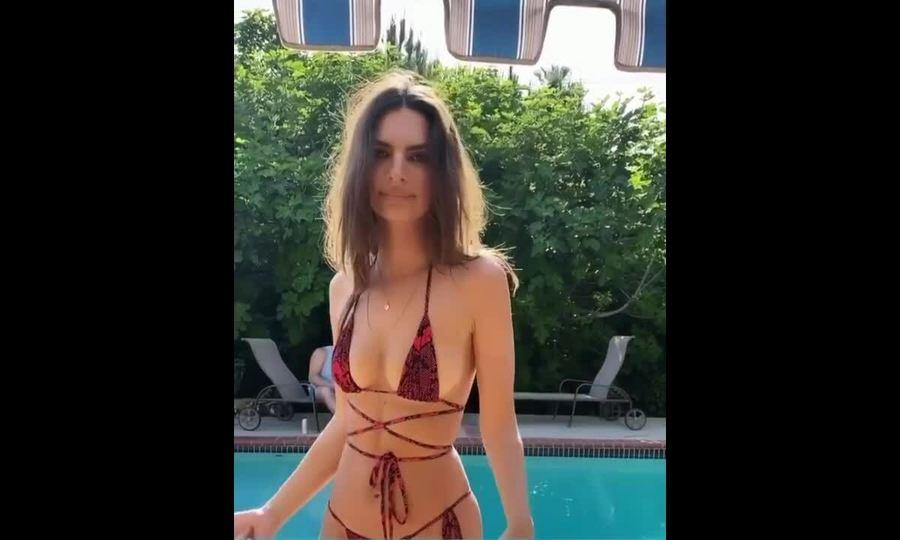 Emily Ratajkowski diện bikini