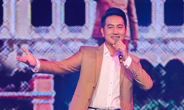"""Trích tiết mục """"Chào buổi sáng"""" của Nguyễn Phi Hùng"""