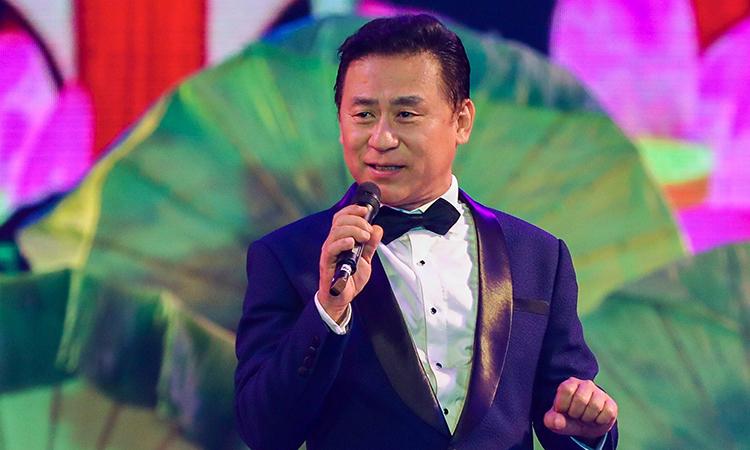 Trích tiết mục 'Tiếng hát từ thành phố mang tên Người' của NSND Tạ Minh Tâm