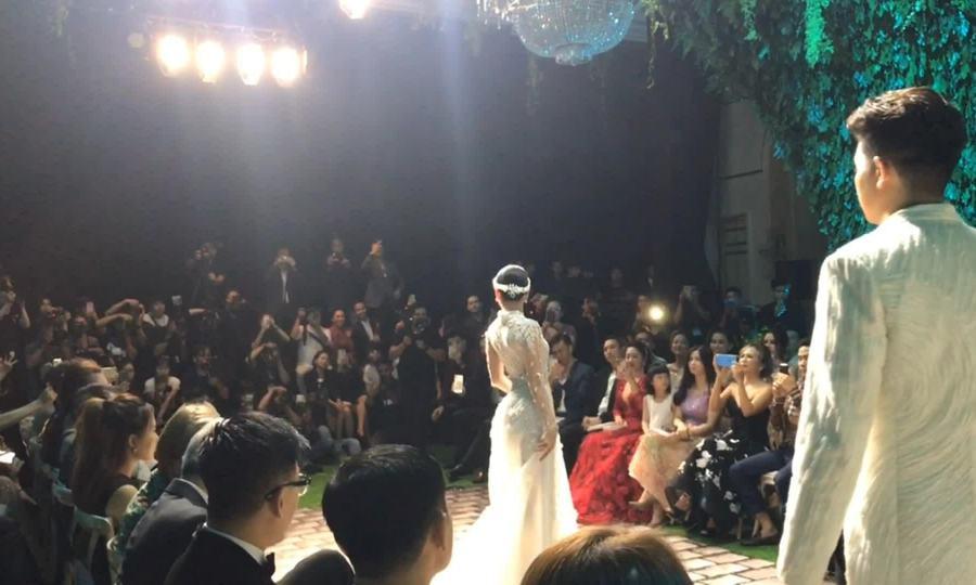 Dàn hoa hậu làm vedette trong show Hoàng Hải