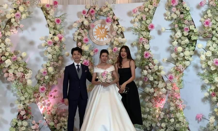 Dàn sao dự cưới Thúy Vân