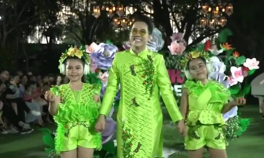 Thành Lộc diễn catwalk cùng mẫu nhí